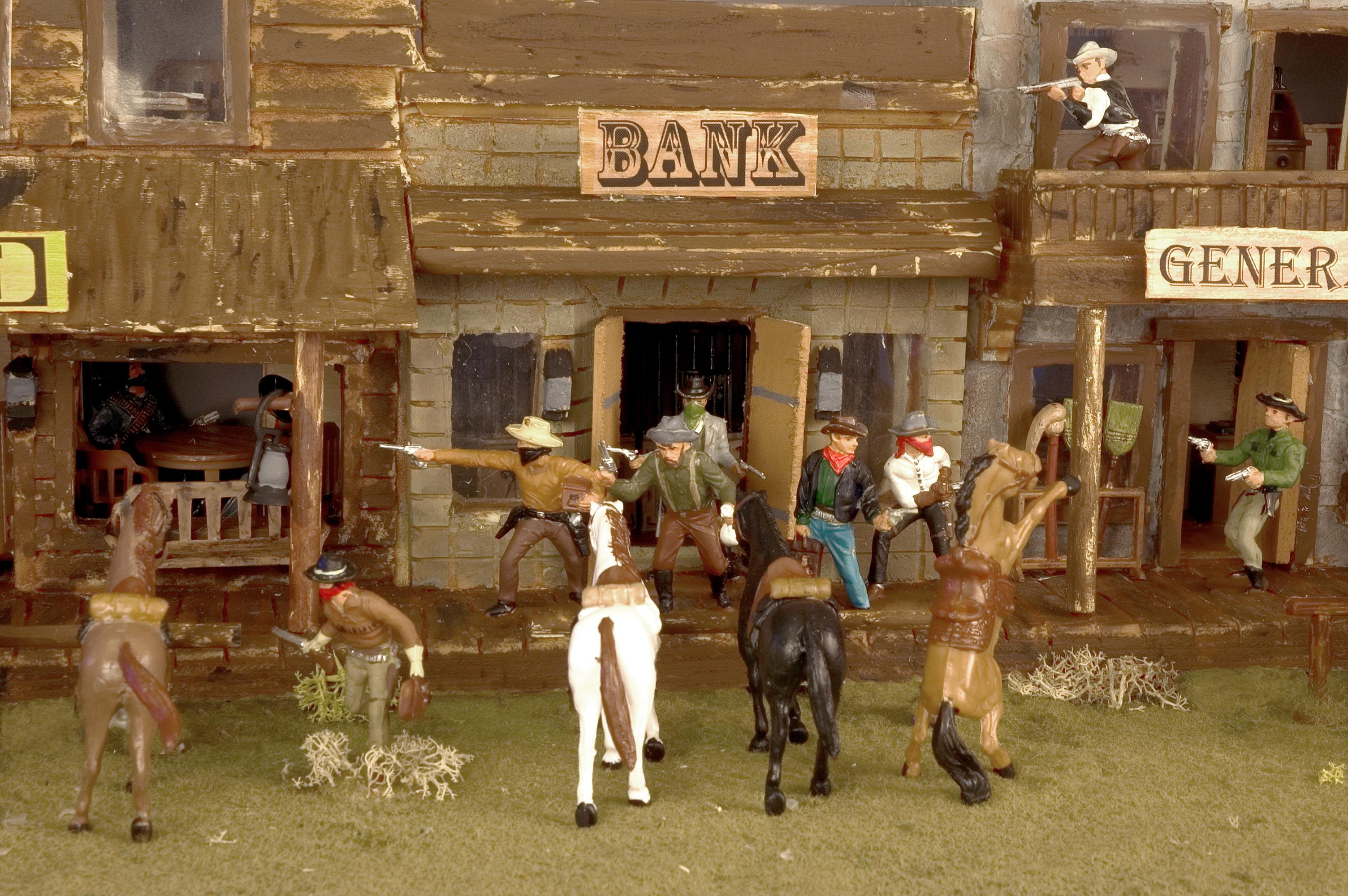 dioramas | GARY TANGEM...